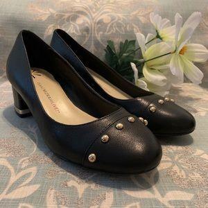 Isaac Mizrahi chunky heel pumps